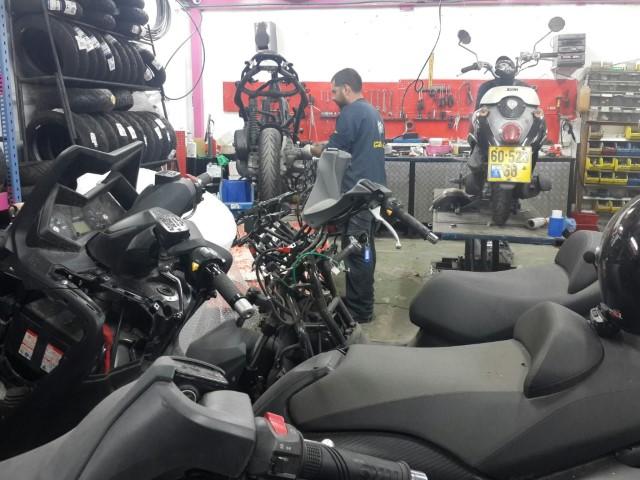 שירותי מכונאות כללית, חשמל וטיפולים שוטפים לכל סוגי הקטנועים
