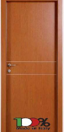 דלת למינטו (פורמייקה) בגוון אלון בהיר בתוספת 2 פסי רוחב ניקל