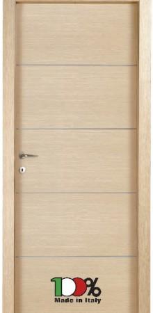 דלת למינטו (פורמייקה) בגוון אלון מולבן בתוספת 4 פסי רוחב ניקל